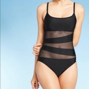 Shade & shore size L one piece black bathing suit